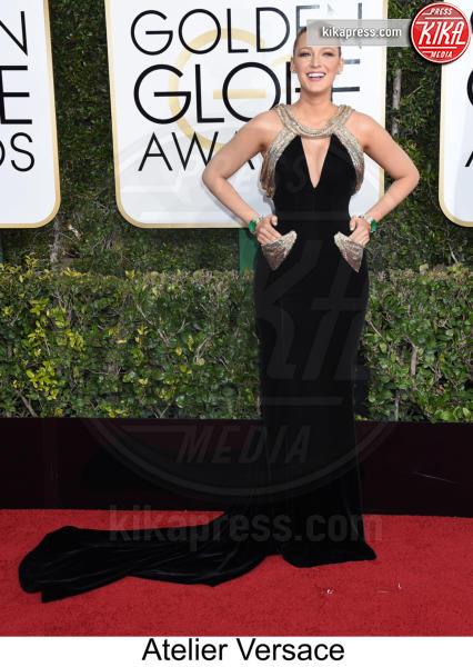 Blake Lively - Beverly Hills - 08-01-2017 - Golden Globe 2017: tripudio di colori sul red carpet!