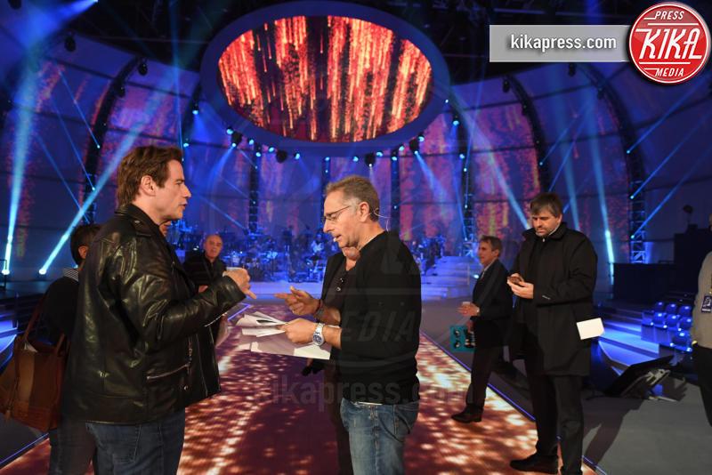 Paolo Bonolis, John Travolta - Roma - 04-12-2016 - Paolo Bonolis in viaggio dentro la musica con Music