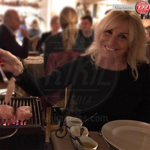 Antonella Clerici - Milano - 10-01-2017 - Antonella Clerici, il primo selfie con Vittorio Garrone