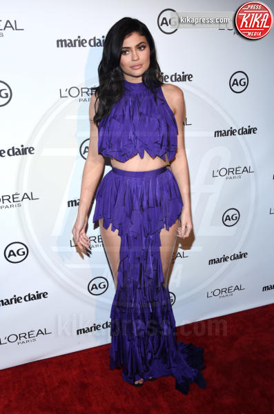 Kylie Jenner - West Hollywood - 10-01-2017 - Kylie Jenner: impossibile guardarla negli occhi sul red carpet!