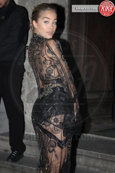 Rita Ora - Milano - 16-01-2017 - Emily Ratajkowski celebra la Juve in Black and white and more