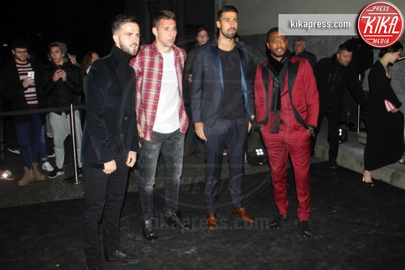 Marko Pjaca, Miralem Pjanic, Sami Khedira, Patrice Evra - Milano - 16-01-2017 - Emily Ratajkowski celebra la Juve in Black and white and more