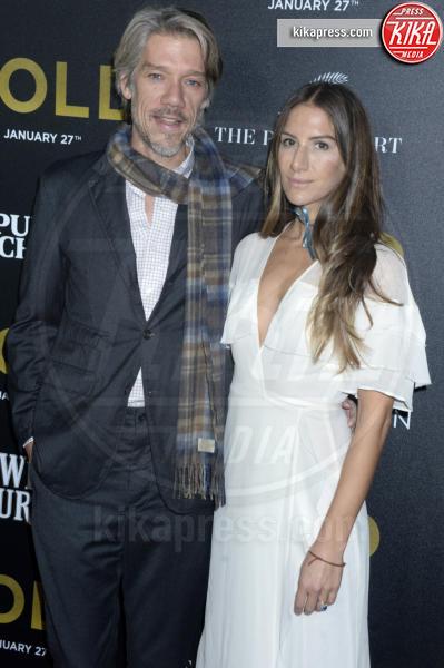 Minnie Mortimer, Stephen Gaghan - New York - 17-01-2017 - Matthew McConaughey e Camila, coppia d'oro alla première di Gold