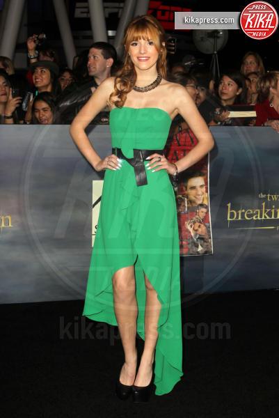 Bella Thorne - Los Angeles - 12-11-2012 - Volete essere trendy? Allora dovete essere Verde Greenery!