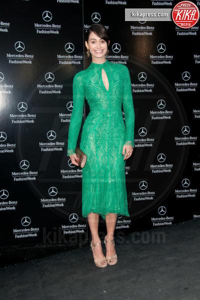 Emmy Rossum - Manhattan - 07-09-2013 - Volete essere trendy? Allora dovete essere Verde Greenery!