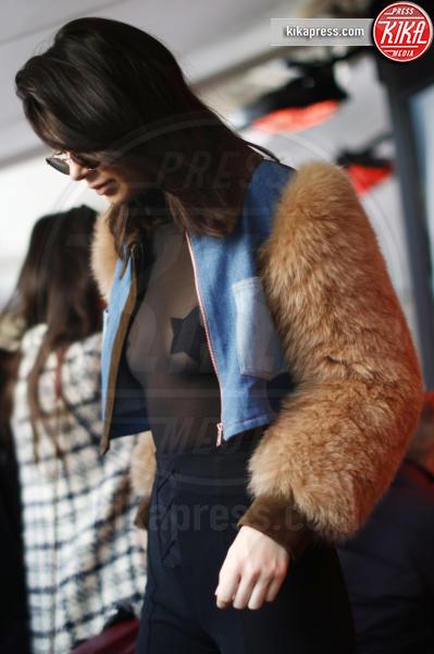 Kendall Jenner - Parigi - 21-01-2017 - Arriva la tendenza pasties: i cerotti copricapezzoli delle star!