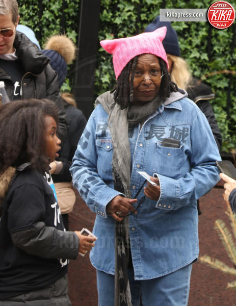 Whoopi Goldberg - New York - 21-01-2017 - Women's March: la folla sfila per Manhattan