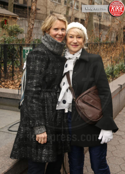 Cynthia Nixon, Helen Mirren - New York - 21-01-2017 - Women's March: la folla sfila per Manhattan