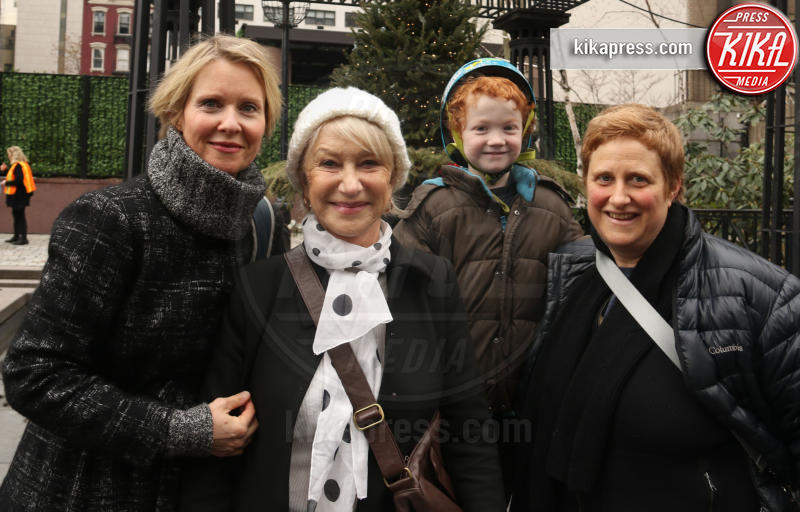 Christine Marinoni, Cynthia Nixon, Helen Mirren - New York - 21-01-2017 - Women's March: la folla sfila per Manhattan