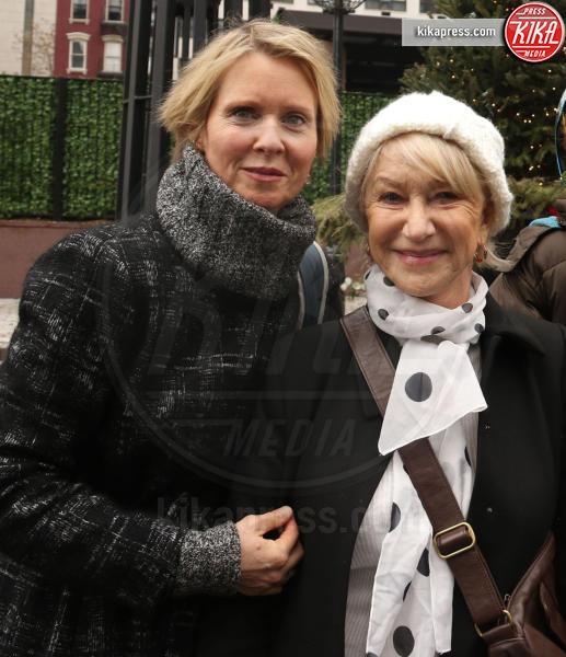 Cynthia Nixon, Helen Mirren - New York - 21-01-2017 - Women's March: la folla sfila per Manhattan
