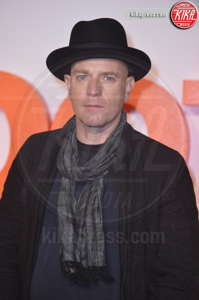 Ewan McGregor - Edimburgo - 22-01-2017 - Ewan McGregor gioca in casa alla premiere UK di Trainspotting 2!