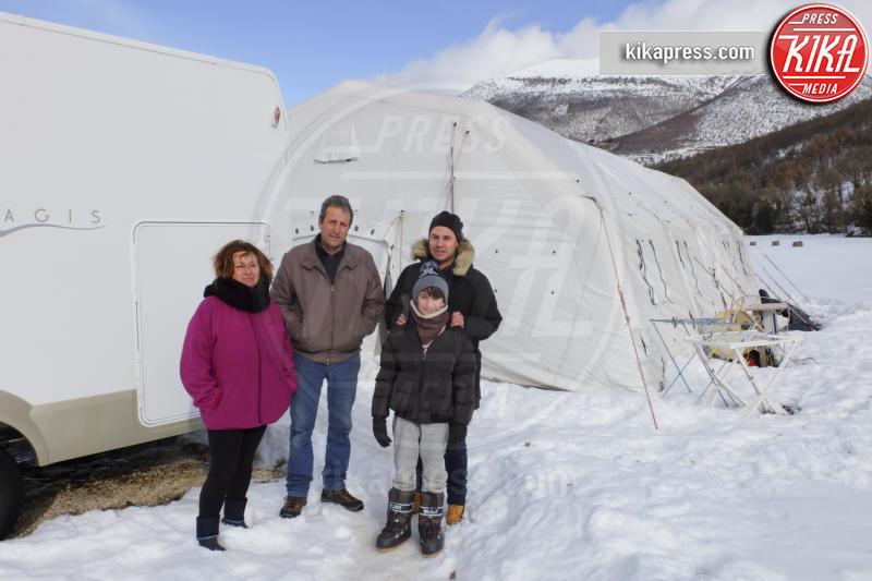 Sergio Nardi - Frascaro - 22-01-2017 - Terremoto: Sergio vive in tenda, nella neve, con la famiglia