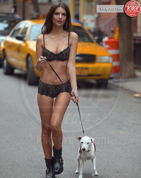 Emily Ratajkowski - Hollywood - 24-01-2017 - Emily Ratajkowski nuda, ma c'è lo spettro anoressia!