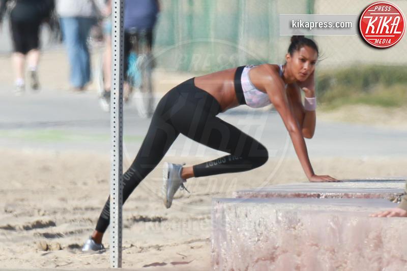 Lais Ribeiro - Los Angeles - 25-01-2017 - C'è sempre tempo per mettersi in forma, fate come le star!