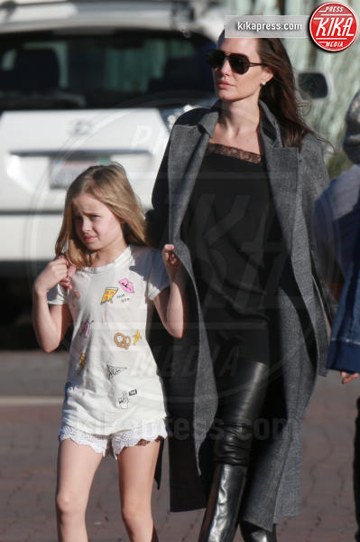 Vivienne Jolie Pitt, Angelina Jolie - Malibu - 28-01-2017 - Maddox Jolie-Pitt: il racconto shock del volontario cambogiano