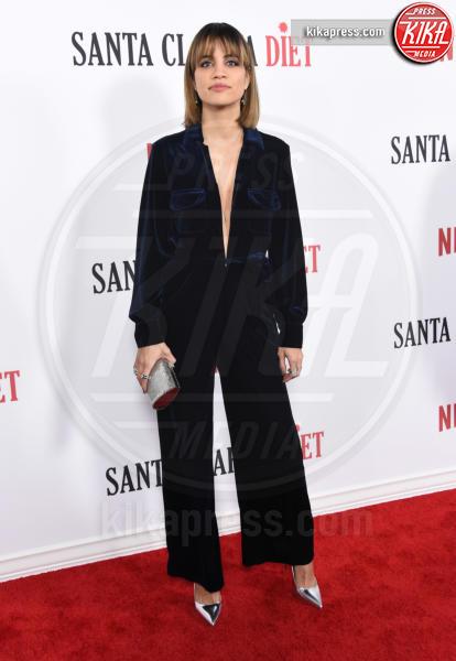 Natalie Morales - Hollywood - 01-02-2017 - Drew Barrymore,altro che zombie alla prima di Santa Clarita Diet