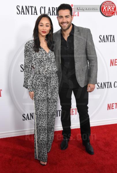 Cara Santana, Jesse Metcalfe - Hollywood - 01-02-2017 - Drew Barrymore,altro che zombie alla prima di Santa Clarita Diet