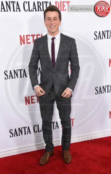 Skyler Gisondo - Hollywood - 01-02-2017 - Drew Barrymore,altro che zombie alla prima di Santa Clarita Diet