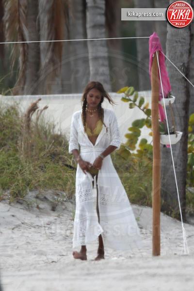 Josephine Skriver, Jasmine Tookes - Miami - 02-02-2017 - Jasmine Tookes e Josephine Skriver: due angeli in paradiso!