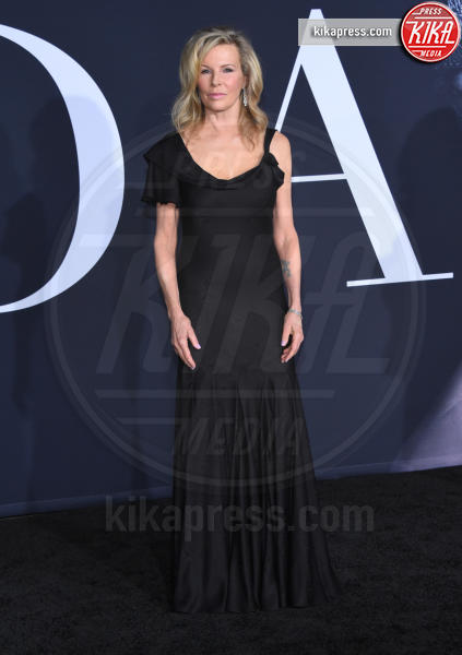 Kim Basinger - Los Angeles - 02-02-2017 - 50 sfumature di nero: perse nella scollatura di Dakota Johnson