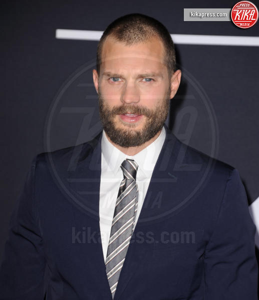 Jamie Dornan - Los Angeles - 02-02-2017 - 50 sfumature di nero: perse nella scollatura di Dakota Johnson