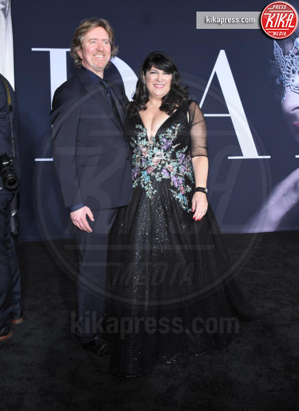 E.L. James, Niall Leonard - Los Angeles - 02-02-2017 - 50 sfumature di nero: perse nella scollatura di Dakota Johnson