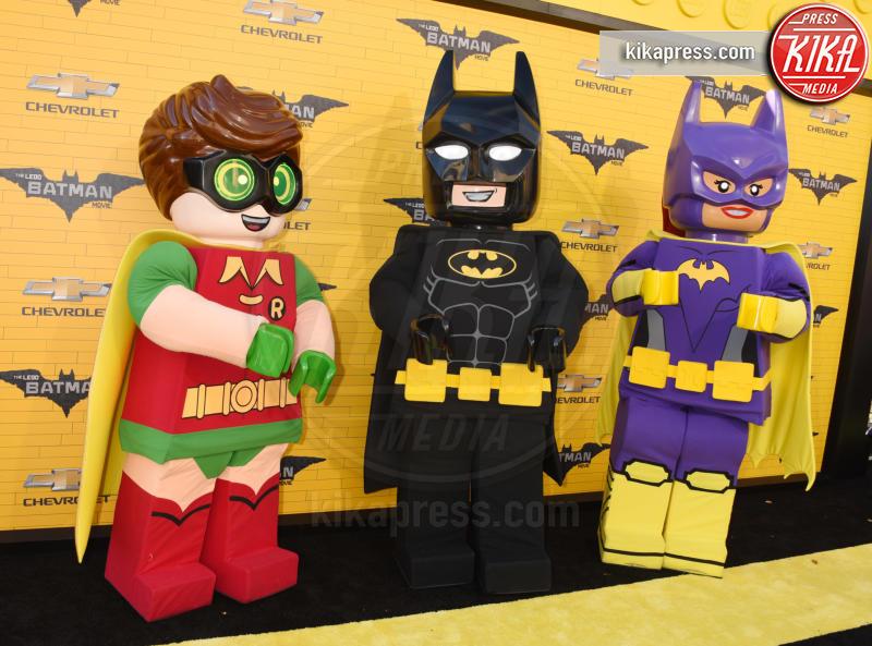 Batgirl, Batman, Robin - Westwood - 04-02-2017 - Mariah Carey porta la famiglia alla prima di Lego Batman-Il Film