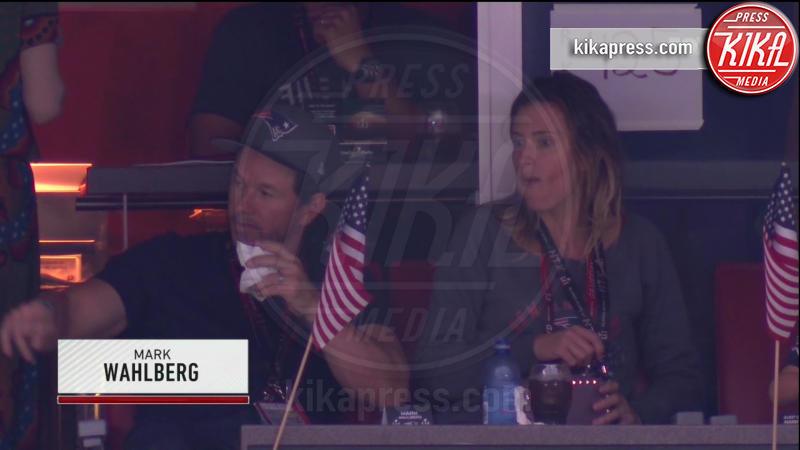 Mark Wahlberg - 06-02-2017 - Super Bowl: da Emily a Gisele Bundchen, show anche sugli spalti