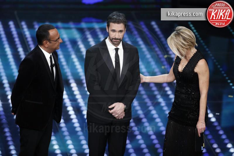 Maria De Filippi, Carlo Conti, Raoul Bova - Sanremo - 07-02-2017 - Sanremo 2017: le foto della prima serata