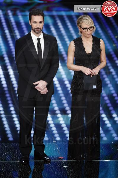 Maria De Filippi, Raoul Bova - Sanremo - 07-02-2017 - Sanremo 2017: le foto della prima serata