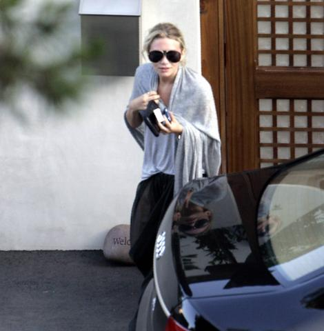 Mary-Kate Olsen - Malibu - Mary Kate Olsen ricoverata in ospedale