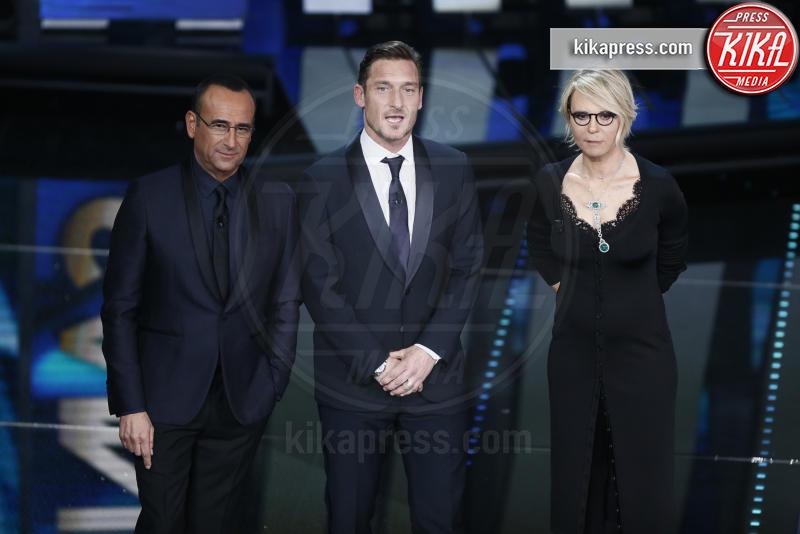 Maria De Filippi, Carlo Conti, Francesco Totti - Sanremo - 08-02-2017 - Sanremo 2017: le foto della seconda serata