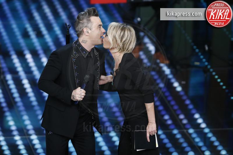 Maria De Filippi, Robbie Williams - Sanremo - 08-02-2017 - Sanremo 2017: le foto della seconda serata