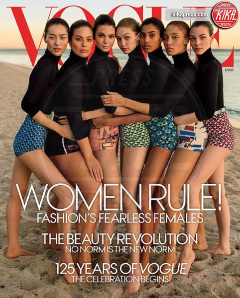 Gigi Hadid, Vogue, Kendall Jenner - Orrori da Photoshop! Chiara Nasti ne esce con eleganza