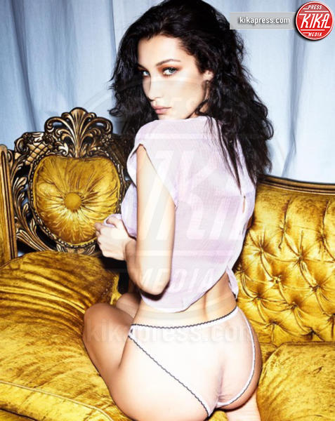 Bella Hadid - Hollywood - 09-02-2017 - Le star sui social: svetta alta la bandiera del sex appeal
