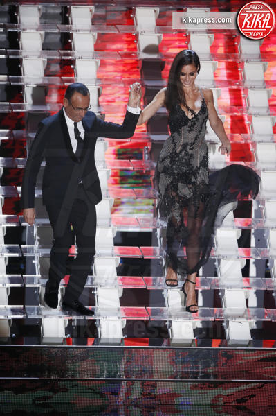 Marica Pellegrinelli, Carlo Conti - Sanremo - 10-02-2017 - Sanremo 2017, tutte le emozioni della quarta serata
