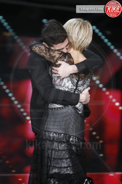 Lele, Maria De Filippi - Sanremo - 10-02-2017 - Sanremo 2017, tutte le emozioni della quarta serata