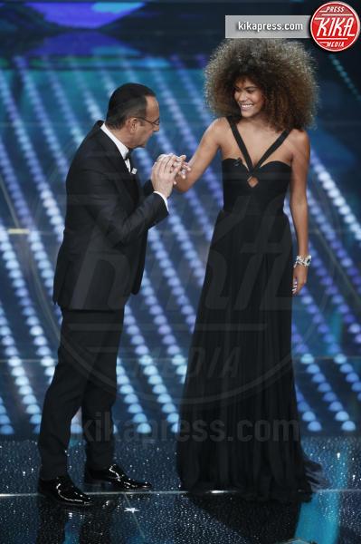 Tina Kunakey Di Vita, Carlo Conti - Sanremo - 11-02-2017 - Sanremo 2017: le foto della serata finale