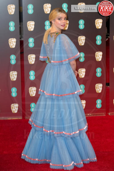 Anya Taylor-Joy - Londra - 12-02-2017 - Balze, fiocchi e gonnelloni: un red carpet da far west!