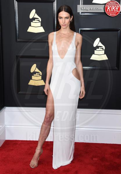 Jessica Miller - Los Angeles - 12-02-2017 - Grammy Awards 2017: ma le gambe sono belle ancor di più!