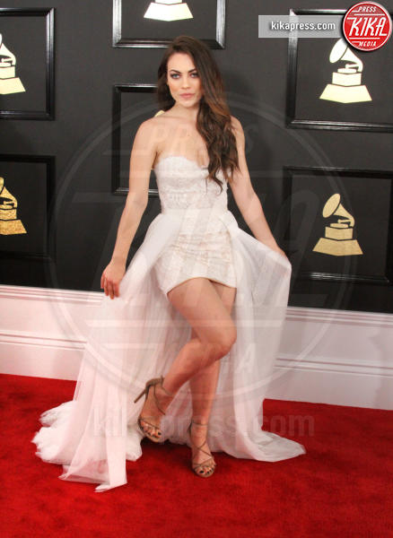 Emily Weisband - Los Angeles - 12-02-2017 - Grammy Awards 2017: ma le gambe sono belle ancor di più!
