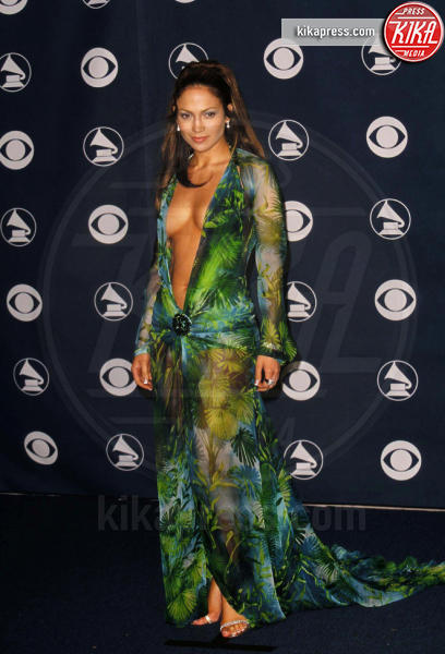 Jennifer Lopez - Hollywood - 23-02-2000 - Le star che sanno osare: sensualità over 50 sul red carpet