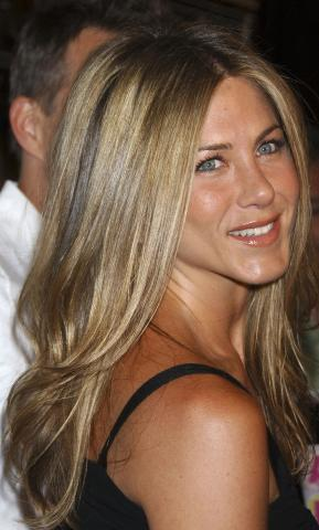 Jennifer Aniston - West Hollywood - 19-06-2007 - Jennifer Aniston ha fondato la propria casa di produzione, la Echo Films