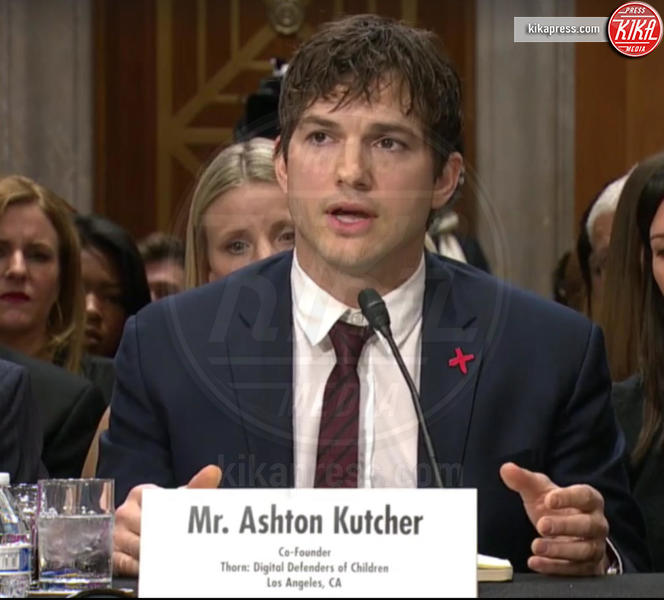 Ashton Kutcher - Washington - 15-02-2017 - Ashton Kutcher testimone al Congresso americano. Ecco perché