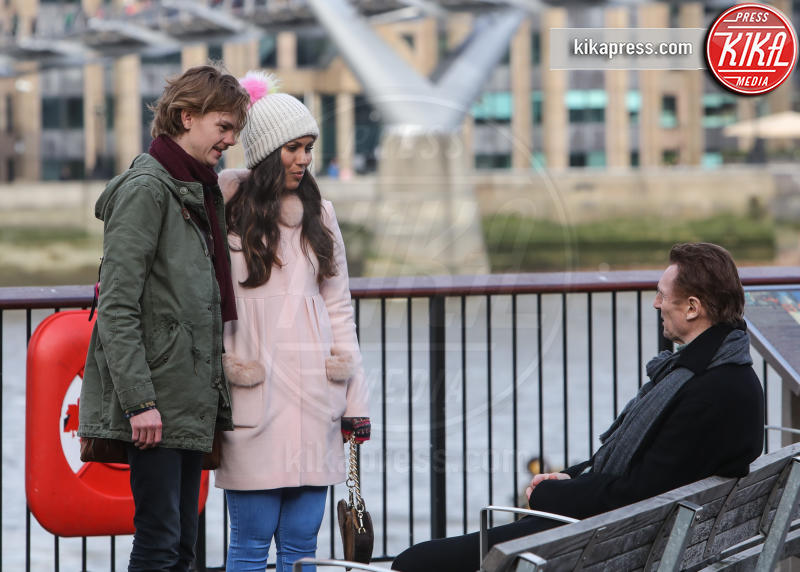 Olivia Olson, Thomas Brodie-Sangster, Liam Neeson - Londra - 16-02-2017 - Love Actually: il cast originale torna sul set 14 anni dopo