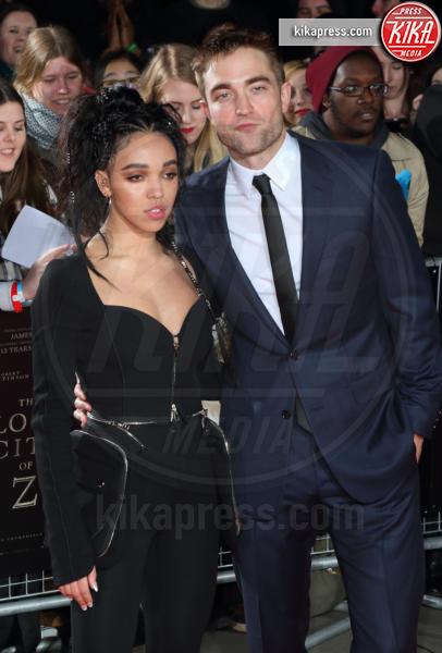 FKA Twigs, Robert Pattinson - Londra - 16-02-2017 - Robert Pattinson e FKA Twigs, amore a gonfie vele!