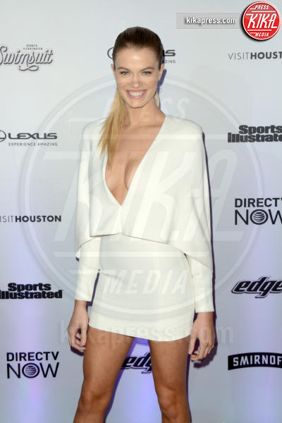 Hailey Clauson - New York - 17-02-2017 - Sports Illustrated celebra le sue bellezze da copertina