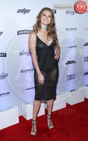 McKenna Berkley - New York - 17-02-2017 - Sports Illustrated celebra le sue bellezze da copertina