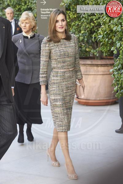 Re Felipe di Borbone, Letizia Ortiz - Madrid - 17-02-2017 - Letizia di Spagna, regina di stile con genio e... regolatezza!