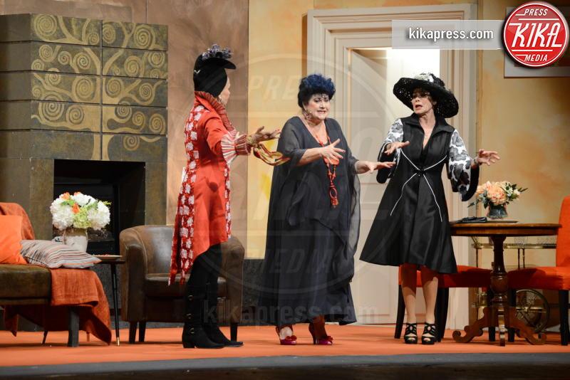 Marisa Laurito, Corinne Clery, Barbara Bouchet - Milano - 17-02-2017 - Quattro donne e una canaglia: quanti vip all'attesissima prima